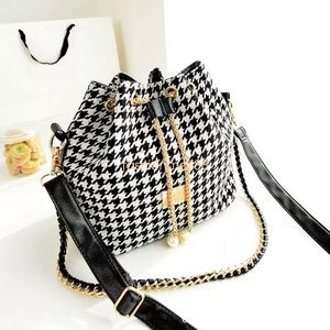(J) Black White Plaid Bucket Bag Shoulder Purse Lg